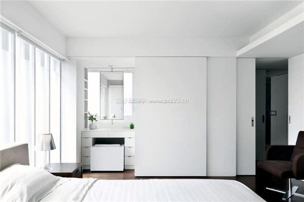 卧室空间装修隐形门设计效果图